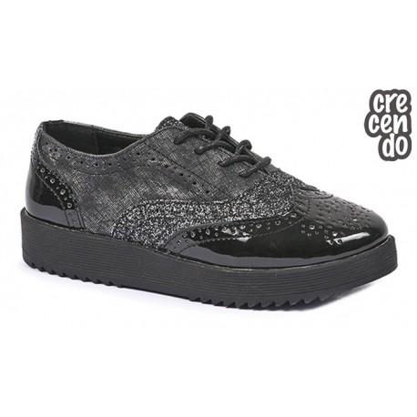 Zapato Niña Cordón Negro. Crecendo