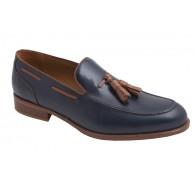 Zapato Elegante de Piel con Borlas.